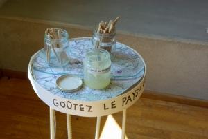 """Dégustation du """"miel de paysage de Sainte-Croix"""" de O. de Sépibus."""